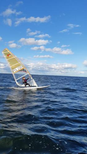 mos2-windsurfing-2