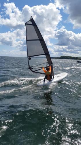 mos2-windsurfing-3